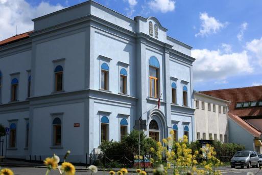 bývalá dobříšská synagoga (v současnosti kulturní dům)
